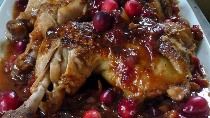 Tanginess At Its Best With This Slow Cooker BBQ Cranberry Chicken