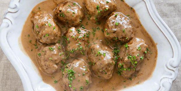 Holiday Slow Cooker Swedish Meatballs