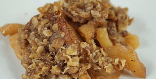 Deliciously Light Slow Cooker Apple Crisp Dessert [VIDEO]