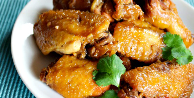 Sink Your Teeth Into These Yummy Crock-Pot Honey Garlic Chicken Wings