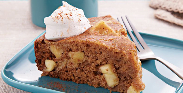 Tender And Spicy Slow Cooker Apple Cake
