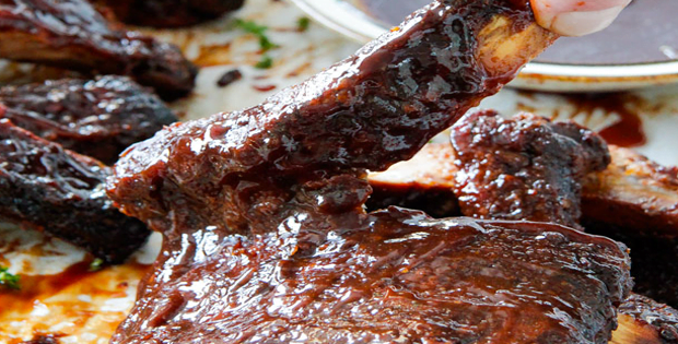 Easy Fall-Off-The-Bone Slow Cooker Barbecue Ribs