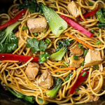 Slow Cooker Chicken Lo Mein Noodles